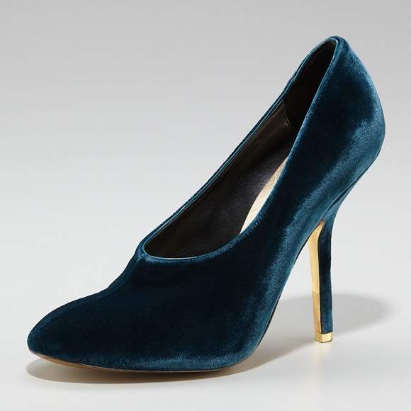 a9a94f86e6 Stella McCartney Turquoise Velvet Pumps